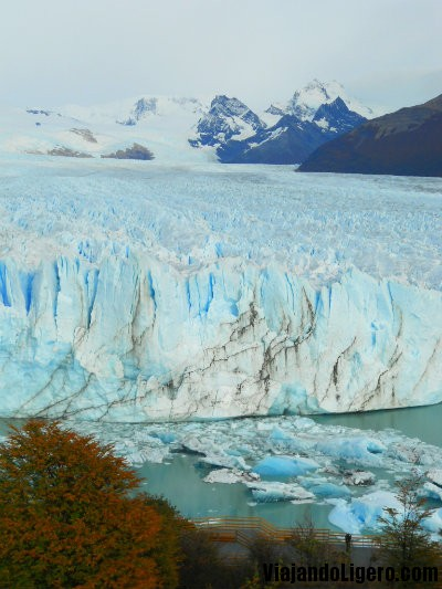 Perito Moreno. Como se ve, las pasarelas pasan muy cerquita.