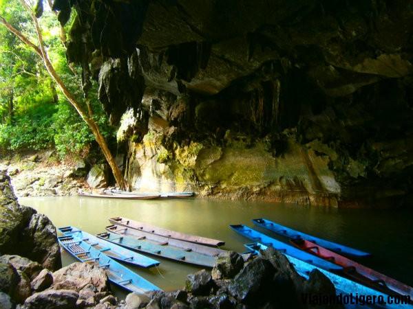 Entrada cueva Kong Lor