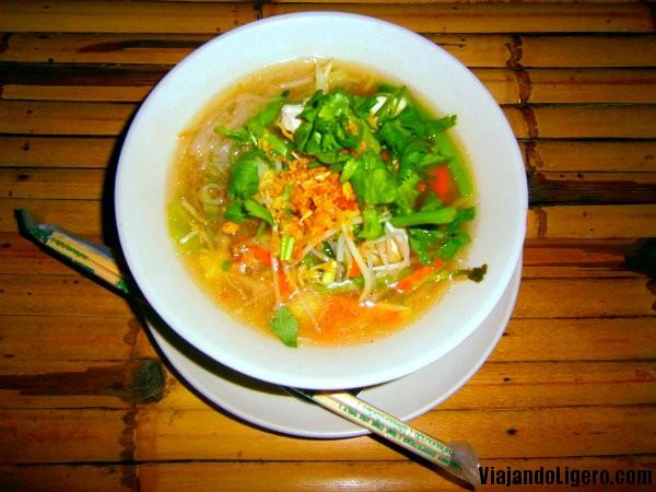 Sopa de fideos Tailandesa