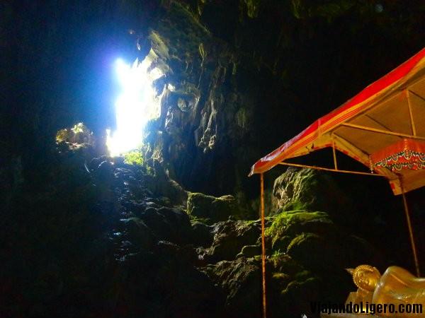 Tham Phu Kham cueva