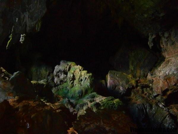Phu Kham Cave