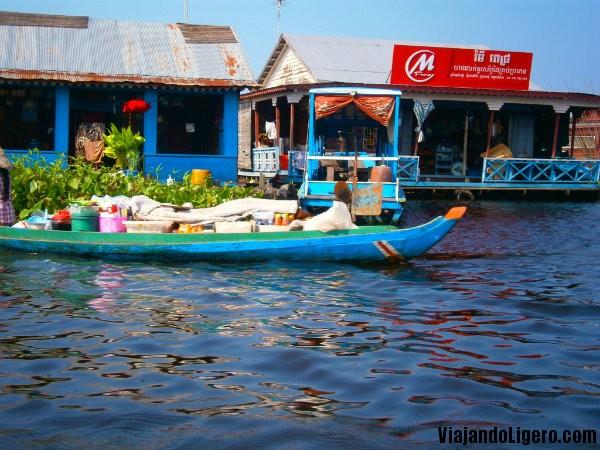 tienda floating village