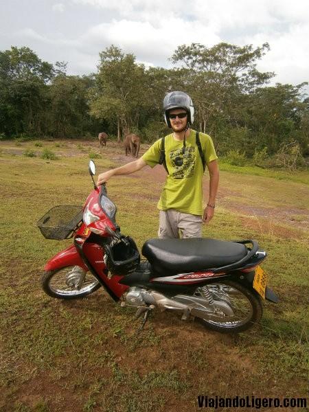 moto bolaven plateau tour