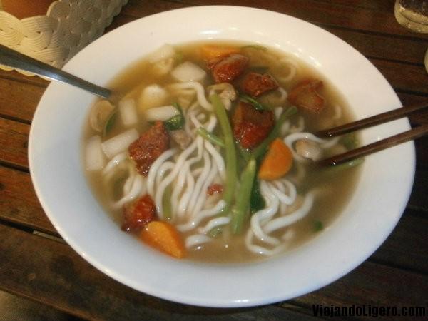 Sopa vegetariana Laos