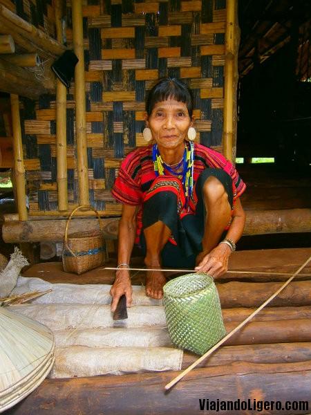 tribu katu mujer