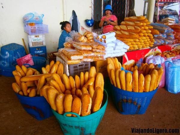 vendedoras pan en Vientiane