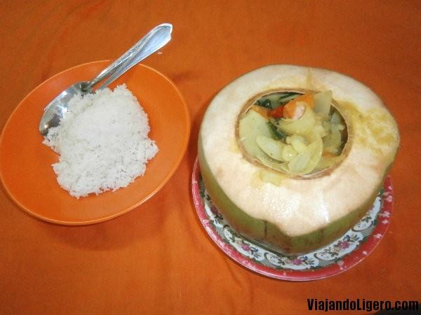Amok de verduras en coco