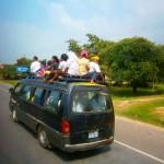 Adelantando a una minivan de Kampot a Phnom Penh