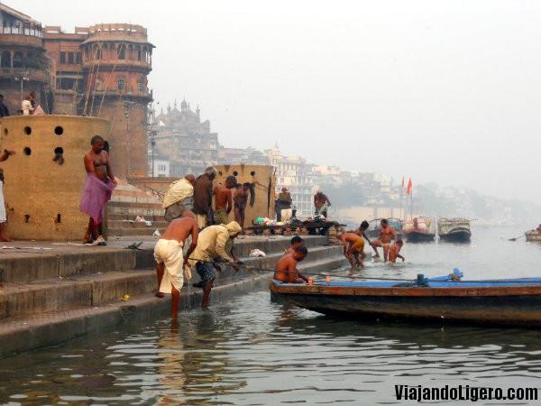 Baño de purificación en el Ganges