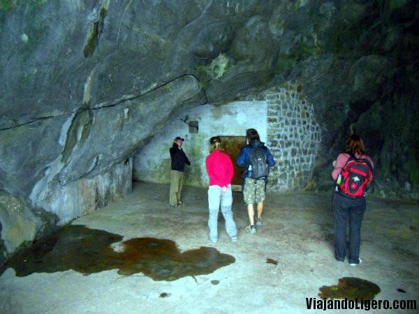 Cueva Hospital, entrada