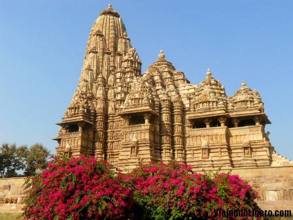 Templo Kandariya sur, Khajuraho
