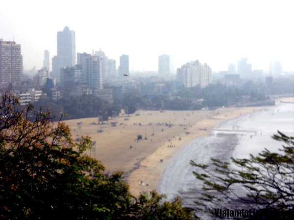 Playa tóxica de Mumbai