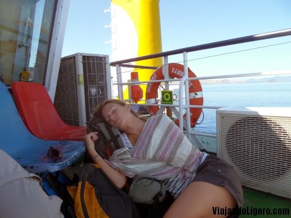 En el ferry hacia Sumbawa
