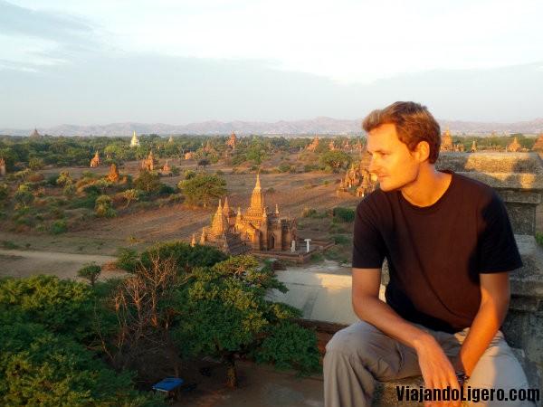 Amanecer, Erik en Bagan