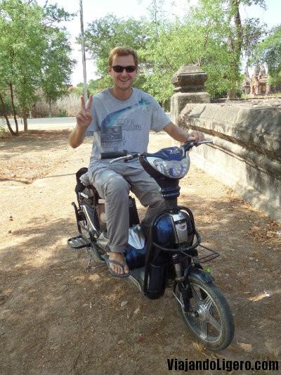 Bici electrica en Bagan