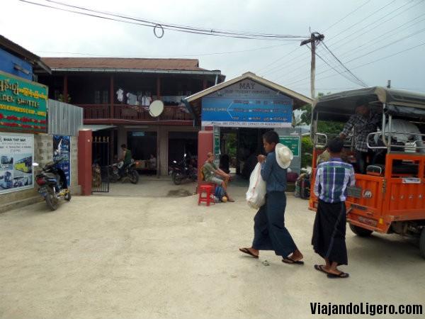 Estación de Nyaungshwe