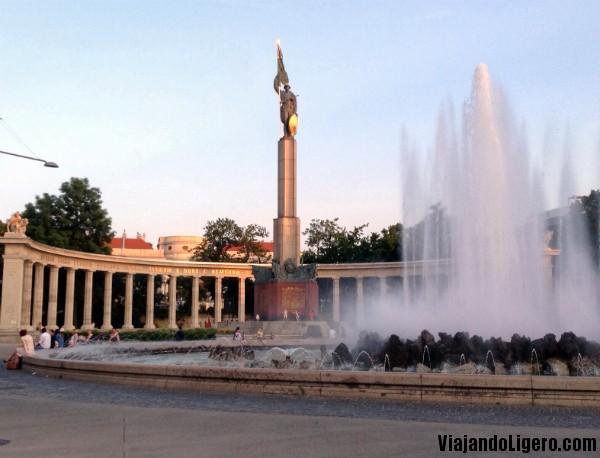 Plaza Hochstrahlbrunnen