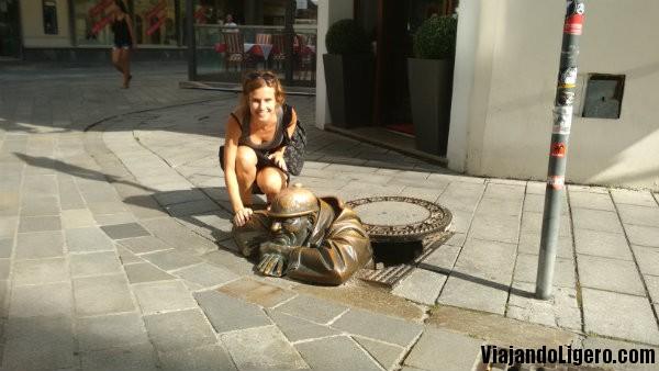 El fisgón, Bratislava